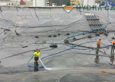 de-sludging-workers-cleaning-sludge