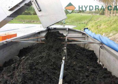 de-sludging-dumping-dirt