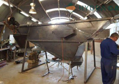 engineering-welding-machine-worker